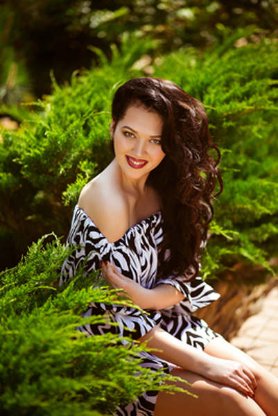 good Uliana Ukrainian female from city Mariupol Ukraine