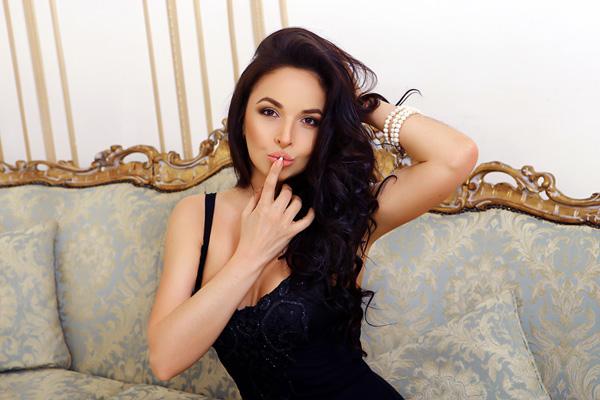 gorgeous Ukrainian fiancee from city Kyiv Ukraine