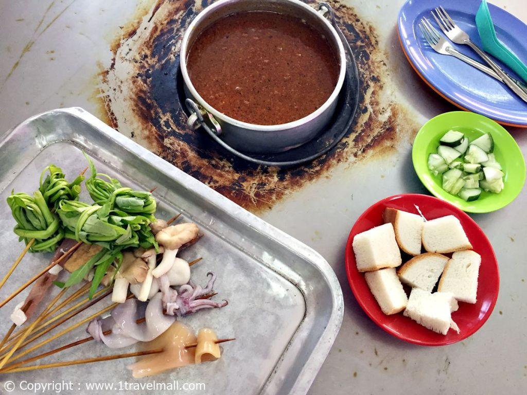 Restaurant Capitol Satay Celup Melaka food