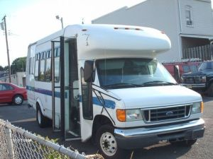 Buy used 2005 Ford E450 Super Duty Shuttle Bus 4Door 6