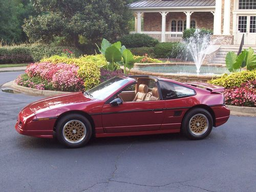 Buy Used Extremely Rare 1988 Fiero Gt T Top 5 Speed Low