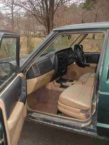 Jeep Cherokee 2000 Interior