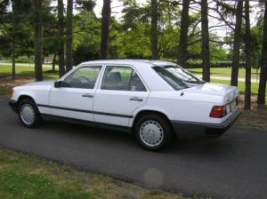 Purchase used 1989 MercedesBenz 300E Base Sedan 4Door 3