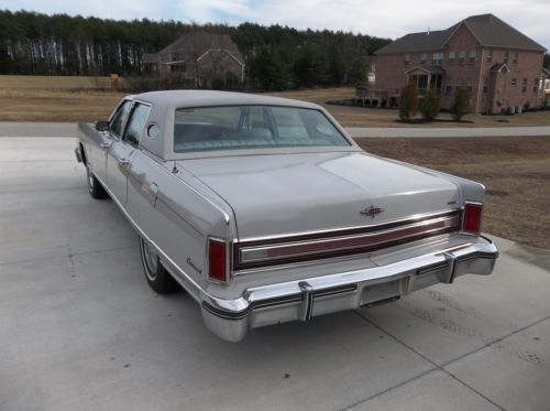 Purchase Used 1976 Lincoln Continental 4 Dr Dove Grey