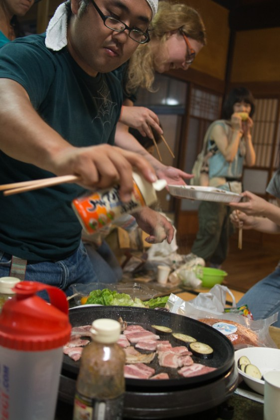 Preparing the Hida beef