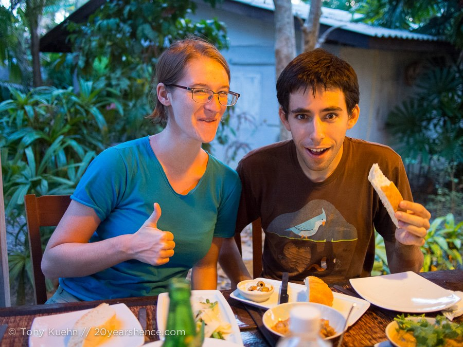 Dining out with Rachel & Jeff in Koh Lanta!