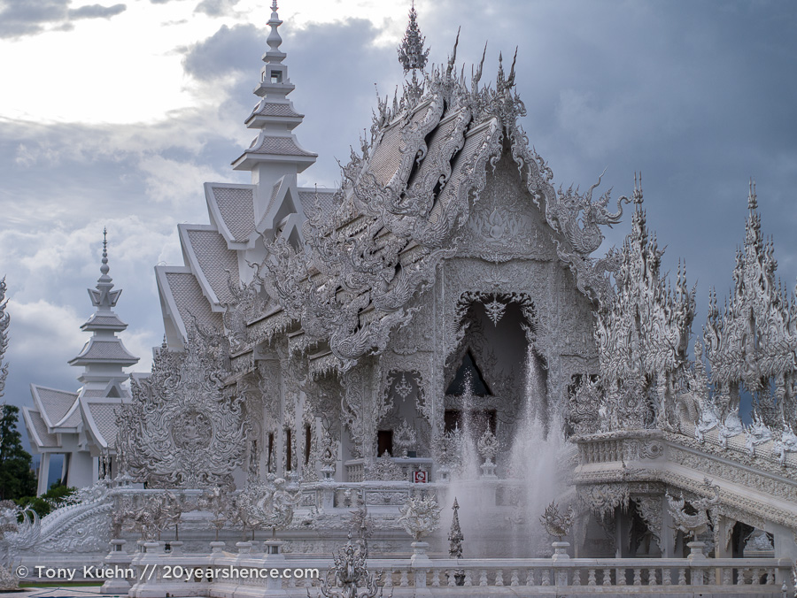 The incredible White Temple of Chiang Rai, Thailand