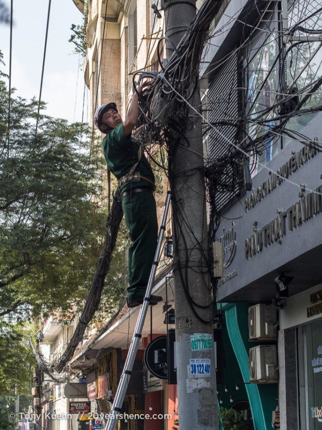 Messy electric lines, Ho Chi Minh City