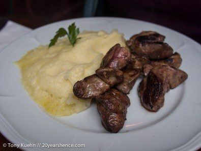 Chicken Livers with Mashed Potatoes in Paris