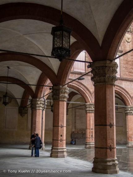 Palazzo Communale Courtyard, Bologna