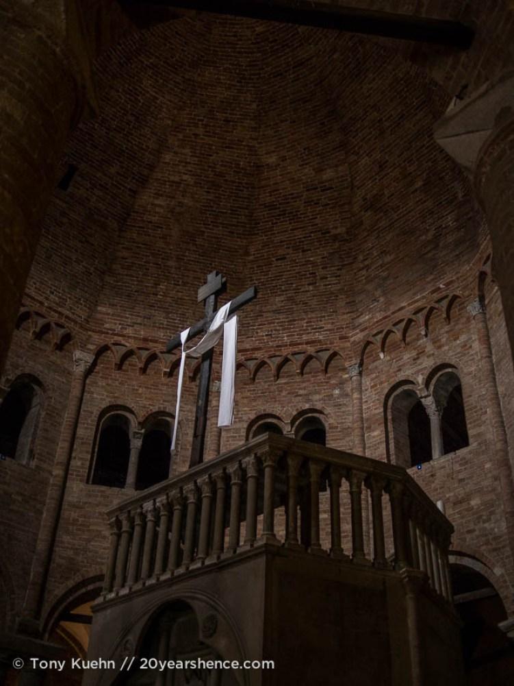 Inside Santo Stefano, Bologna