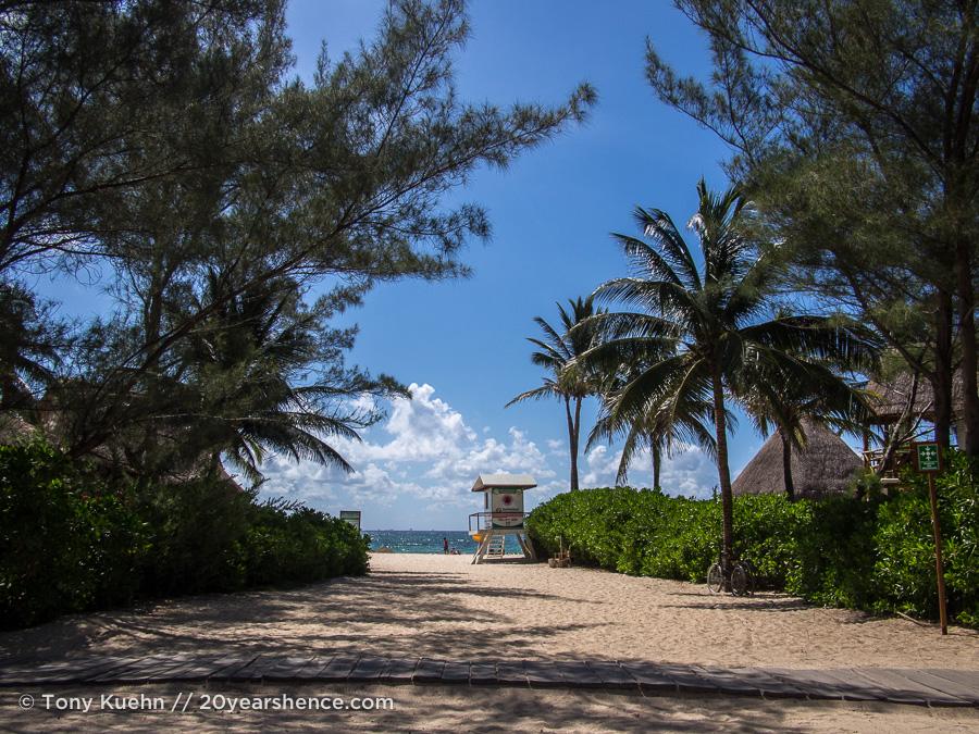 The beach, Playa del Carmen