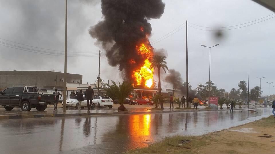 حريق حافلة في مصراتة
