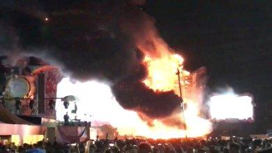 إجلاء الآلاف من مهرجان موسيقي في برشلونة بعد اندلاع حريق