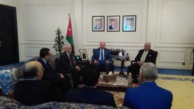 رئيس الحكومة الأردنية يلتقي عقيلة صالح
