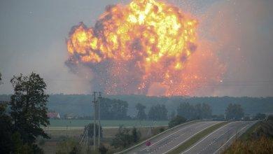 إجلاء الآلاف في أوكرانيا بعد وقوع انفجارات في مستودع للذخيرة