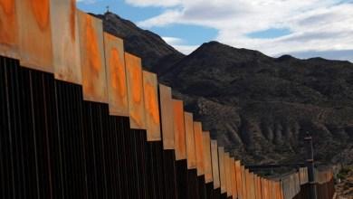 الجدار العازل مع المكسيك