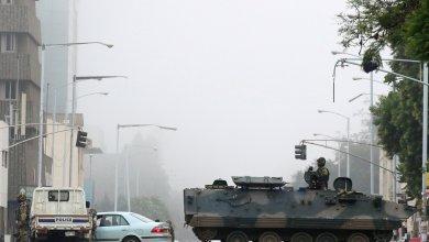 مدرعات الجيش في شوارع هاراري