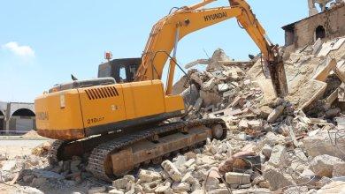 هدم وإزالة المباني المدمرة كلياً من قبل بلدية بنغازي
