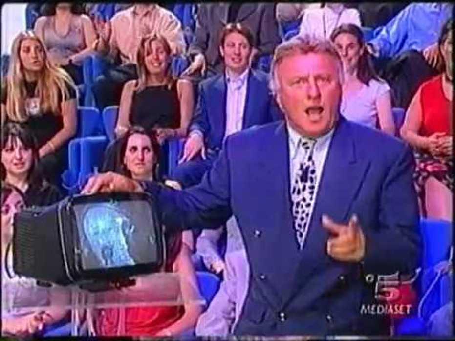 ماوريتسو سيماندي مذيع تلفزيوني مواليد 1939 بنغازي