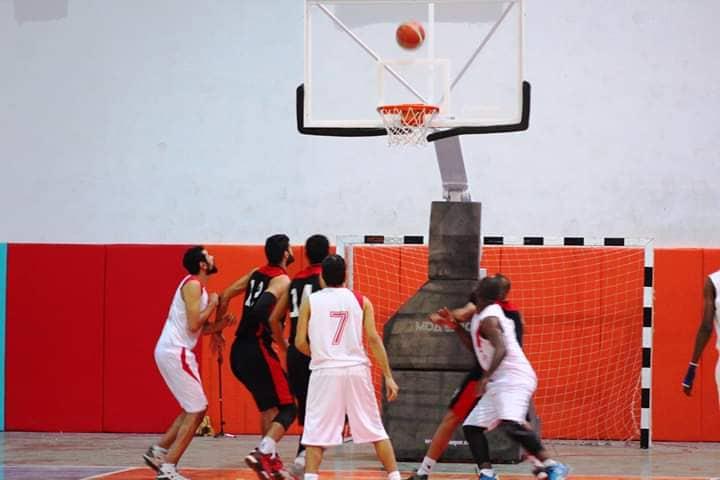 المروج يواصل تفوقه بدوري السلة