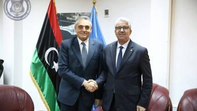 فتحي باشاغا مع سفير إيطاليا لدى ليبيا جوزيبي غريمالدي
