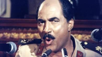 الفنان الراحل في فيلم أيام السادات التي أدّى فيه شخصية الرئيس المصري الأسبق أنور السادات في العام 2001