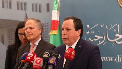 وزير الخارجية التونسي خميس الجهيناوي مع نظيره الإيطالي أنزو موافرو ميلانازي