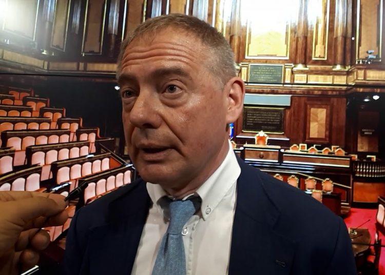 """عضو مجلس الشيوخ من حزب """"إخوة إيطاليا"""" ونائب رئيس اللجنة البرلمانية لأمن الدولة - أدولفو أورسو"""