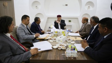 رئيسا مجلس النواب عقيلة صالح والحكومة المؤقتة عبد الله الثني