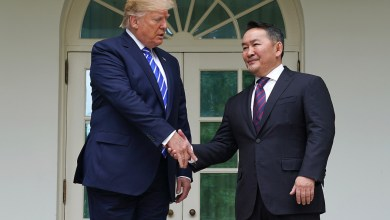 الرئيس الأميركي دونالد ترامب والرئيس المنغولي باتولجا خالتما