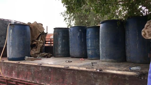 الوقود تتواصل في المدينة غات.mp4 snapshot 00.37 2019.09.19 20.25.59