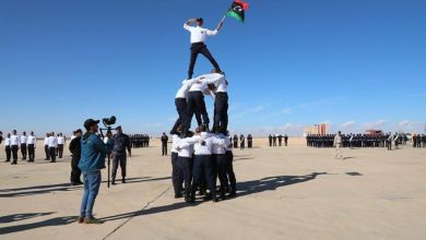مشهد من حفل تخريج أكثر من 300 شرطي في طبرق