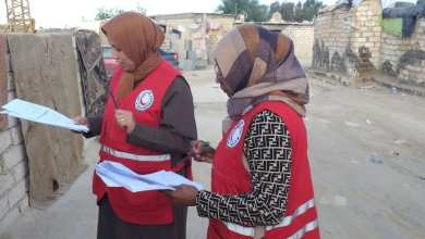 الهلال الأحمر أجدابيا يبدأ في مشروع ملء الاستبيانات الصحية والبيئية