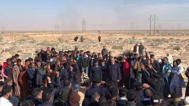 مراسم جنازة رسمية في بدر بباطن الجبل لأحد أعضاء مديرية الأمن الذي قضى نحبه في معركة الجيش الوطني بطرابلس