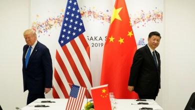 فيروس كورونا يتسبب في أزمة سياسية بين واشنطن وبكين