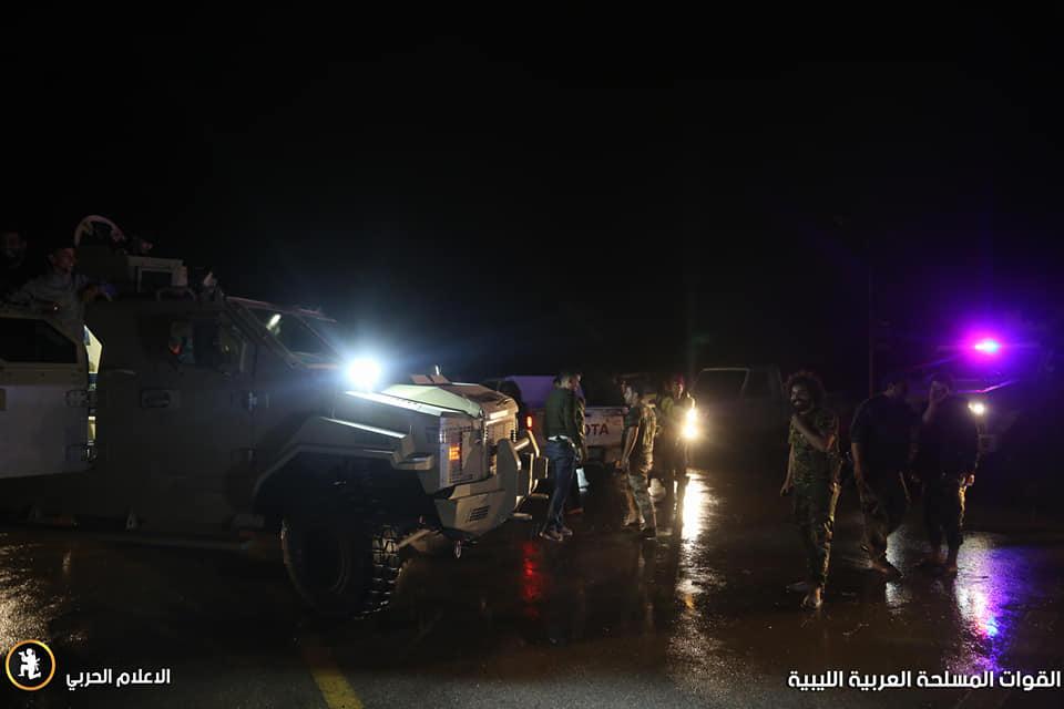 دوريات عسكرية وأمنية للجيش الوطني في مناطقه بمدينة طرابلس