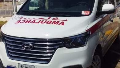 سيارة إسعاف جديدة يقدمها جهاز الإسعاف والطوارىء بالحكومة الليبية للجنة الطبية لمجابهة كورونا بسرت