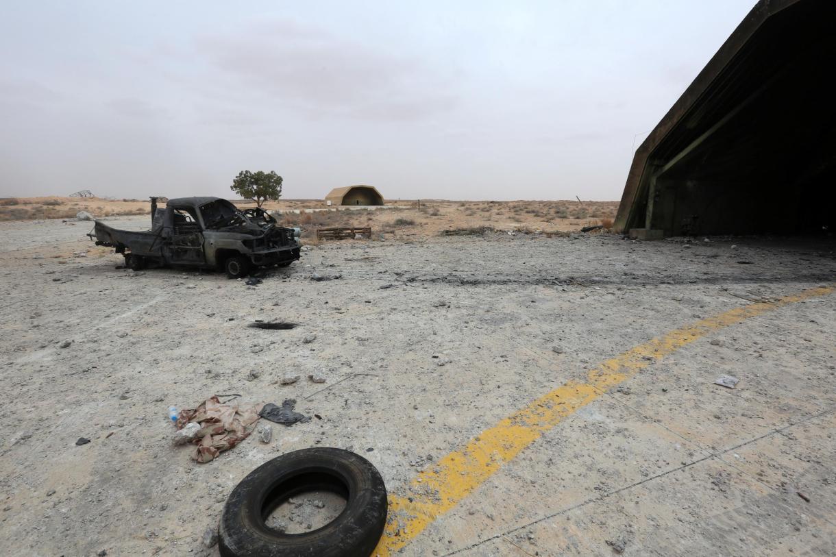 قوات الوفاق تسيطر على قاعدة الوطية