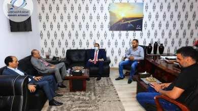 اجتماع رئيس مصلحة المطارات وعميد بلدية بني وليد لتفعيل مطار بني وليد المدني