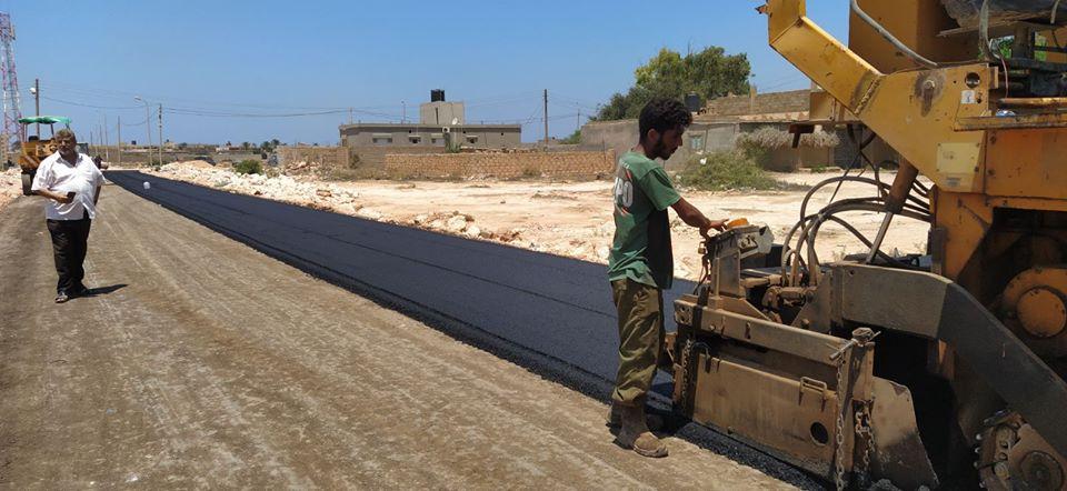 بلدية بنغازي تشرع في تعبيد الطريق الرابط بين طريق العروبة والدائري العاشر