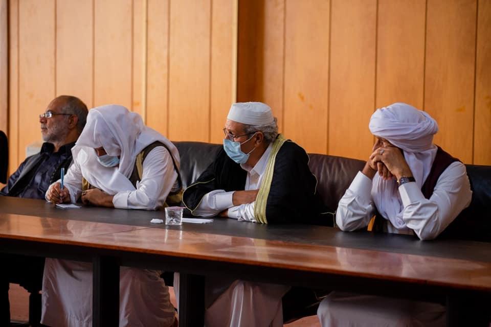 جانب من اجتماع أعيان مدينة سرت مع النائب في البرلمان الدكتور حسن الزرقاء للتباحث في أزمات المدينة