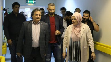الدكتورة فتحية العريبي ووزير الصحة بالحكومة الليبية سعد عقوب- إرشيفية