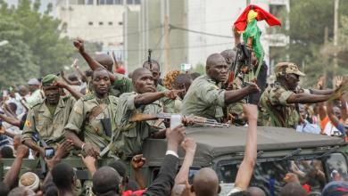 رئيس مالي يعلن استقالته بعد الانقلاب العسكري عليه