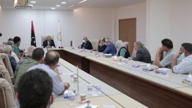 الثني يعقد اجتماعا موسعا رؤساء المجلس المحلية لمناطق بنغازي