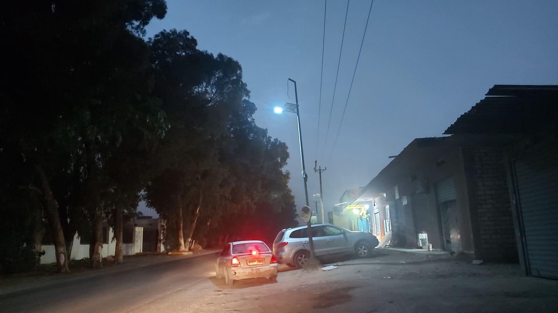 طرابلس.. إنارة شوارع بوسليم بألواح الطاقة الشمسية