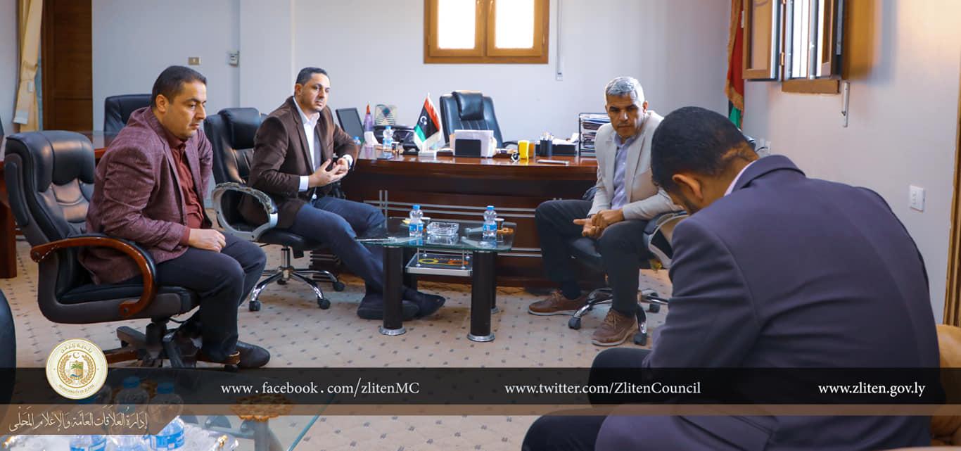 اجتماع في بلدية زليتن مع شركة النظافة بمصراتة بشأن نقل المكبات