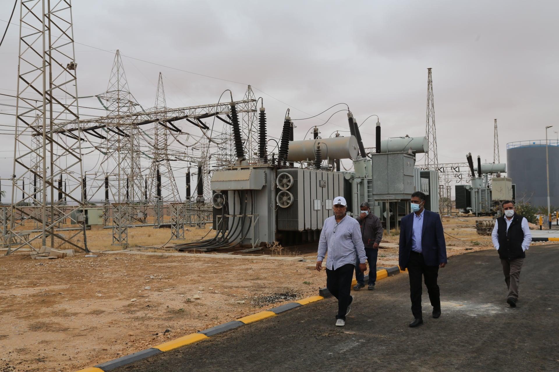 رئيس الشركة العامة للكهرباء ومديرها العام في زيارة لمحطة بير الغنم جهد 220 ك.ف