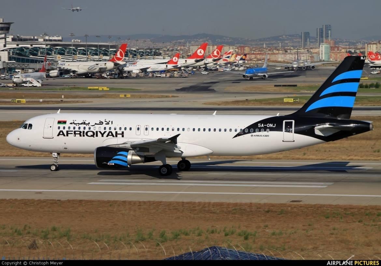"""طائرة شركة الخطوط الجوية الأفريقية -احدى كبريات شركات الطيران الليبية-""""أرشيفية"""""""