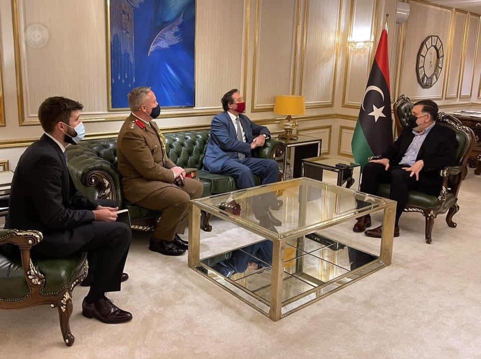 فائز السراج يناقش الأوضاع الليبية مع سفير بريطانيا لدى ليبيا وسكرتيره والملحق العسكري بالسفارة